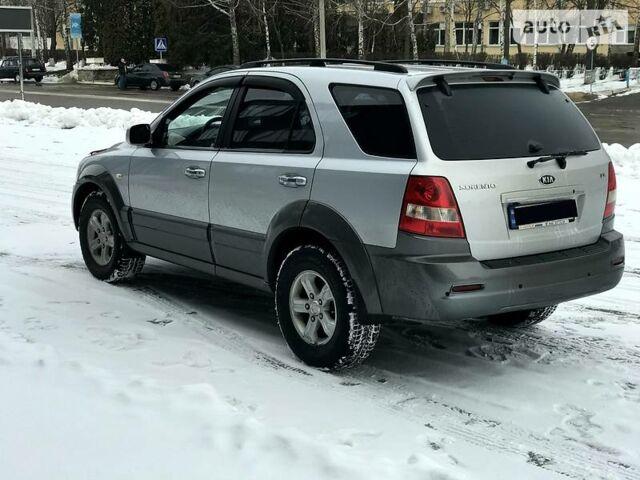 Серебряный Киа Соренто, объемом двигателя 2.5 л и пробегом 145 тыс. км за 10600 $, фото 1 на Automoto.ua