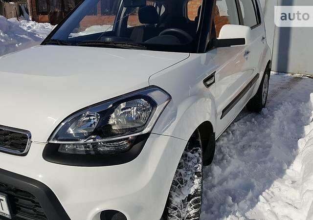 Белый Киа Соул, объемом двигателя 1.6 л и пробегом 90 тыс. км за 8600 $, фото 1 на Automoto.ua