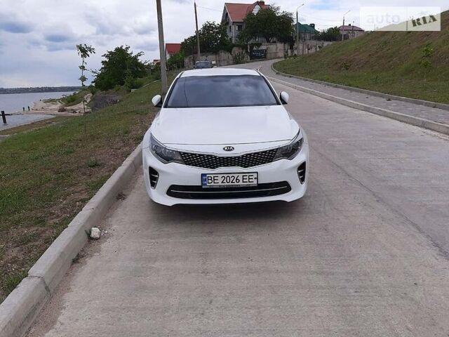 Белый Киа K5, объемом двигателя 2 л и пробегом 156 тыс. км за 14200 $, фото 1 на Automoto.ua