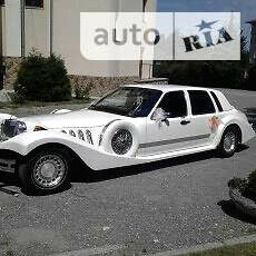 Білий Лінкольн Town Car, об'ємом двигуна 4.6 л та пробігом 200 тис. км за 10000 $, фото 1 на Automoto.ua