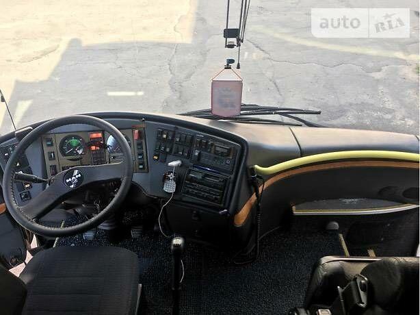 Серебряный МАН 11.220, объемом двигателя 6.9 л и пробегом 500 тыс. км за 50500 $, фото 1 на Automoto.ua