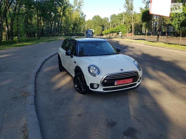 Білий Міні Clubman, об'ємом двигуна 1.5 л та пробігом 11 тис. км за 19950 $, фото 1 на Automoto.ua
