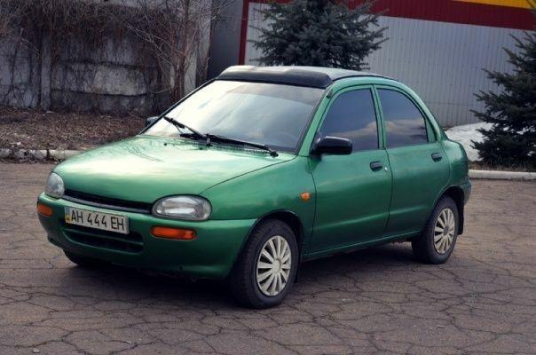 Зеленый Мазда 121, объемом двигателя 1.3 л и пробегом 350 тыс. км за 2000 $, фото 1 на Automoto.ua