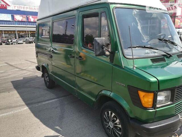 Зеленый Мерседес 207 груз., объемом двигателя 2.3 л и пробегом 4 тыс. км за 3600 $, фото 1 на Automoto.ua