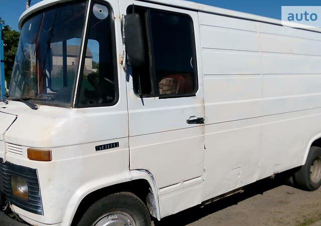Білий Мерседес 508 вант., об'ємом двигуна 3.8 л та пробігом 1 тис. км за 3500 $, фото 1 на Automoto.ua