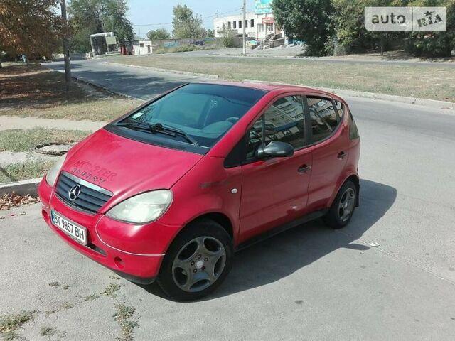 Червоний Мерседес А 140, об'ємом двигуна 1.4 л та пробігом 265 тис. км за 4200 $, фото 1 на Automoto.ua