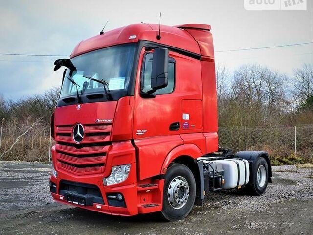 Красный Мерседес Актрос, объемом двигателя 0 л и пробегом 585 тыс. км за 22624 $, фото 1 на Automoto.ua