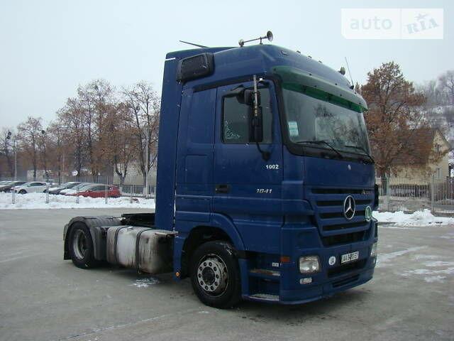 Синий Мерседес Актрос, объемом двигателя 0 л и пробегом 1 тыс. км за 15000 $, фото 1 на Automoto.ua