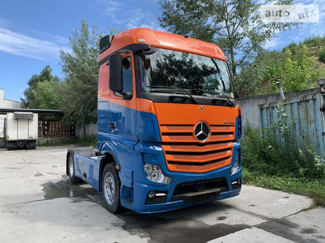 Оранжевый Мерседес Актрос, объемом двигателя 0 л и пробегом 522 тыс. км за 40000 $, фото 1 на Automoto.ua