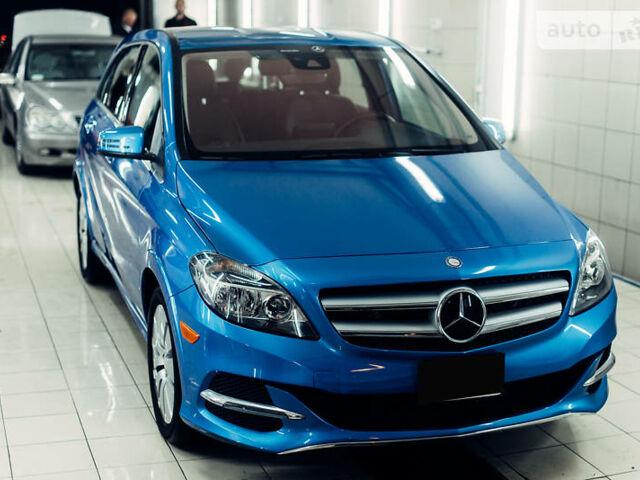 Синий Мерседес Б 250, объемом двигателя 0 л и пробегом 51 тыс. км за 17500 $, фото 1 на Automoto.ua