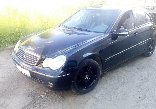 Черный Мерседес Ц 180, объемом двигателя 0 л и пробегом 260 тыс. км за 7700 $, фото 1 на Automoto.ua