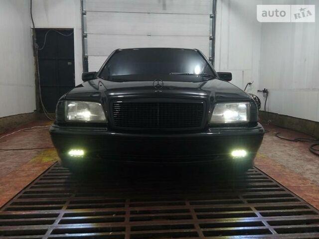 Черный Мерседес Ц-Класс, объемом двигателя 2.2 л и пробегом 1 тыс. км за 4700 $, фото 1 на Automoto.ua