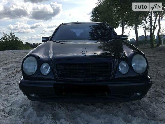 Черный Мерседес Е 280, объемом двигателя 2.8 л и пробегом 230 тыс. км за 5000 $, фото 1 на Automoto.ua