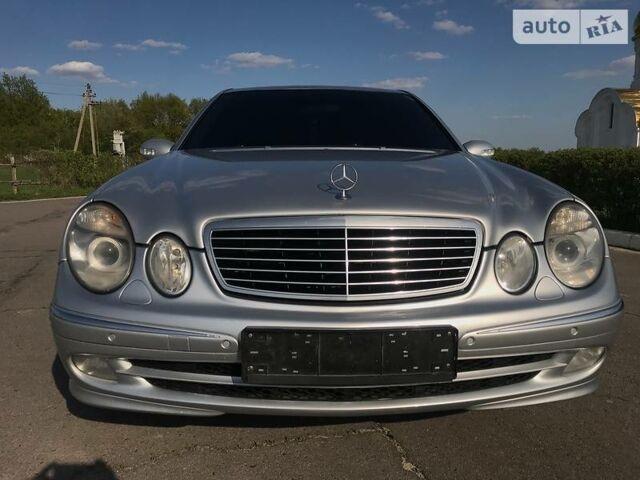 Срібний Мерседес Е 320, об'ємом двигуна 3.2 л та пробігом 273 тис. км за 8700 $, фото 1 на Automoto.ua
