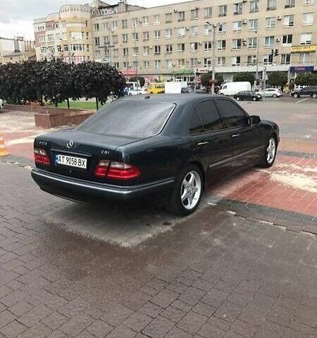 Черный Мерседес Е-Класс, объемом двигателя 2.7 л и пробегом 420 тыс. км за 7200 $, фото 1 на Automoto.ua
