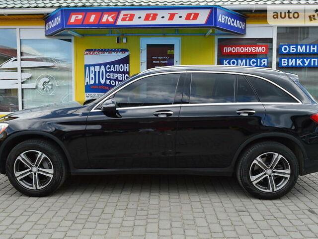 Черный Мерседес GLC 300, объемом двигателя 2 л и пробегом 72 тыс. км за 33900 $, фото 1 на Automoto.ua
