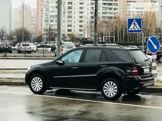 Черный Мерседес МЛ 280, объемом двигателя 3 л и пробегом 100 тыс. км за 26000 $, фото 1 на Automoto.ua
