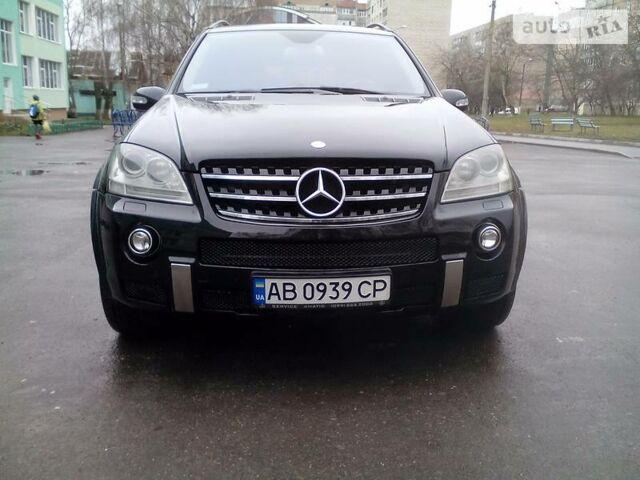 Чорний Мерседес МЛ 63 АМГ, об'ємом двигуна 6.2 л та пробігом 225 тис. км за 24500 $, фото 1 на Automoto.ua