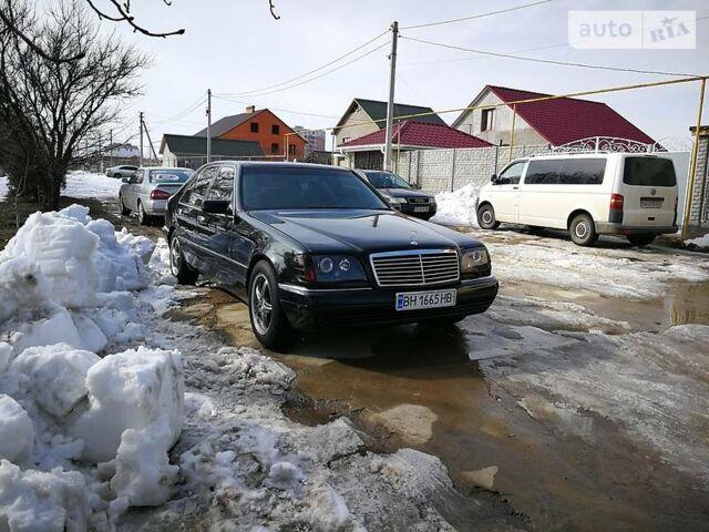 Черный Мерседес С 140, объемом двигателя 3 л и пробегом 50 тыс. км за 10000 $, фото 1 на Automoto.ua