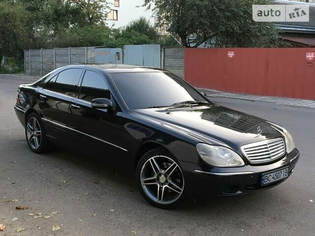 Черный Мерседес С 430, объемом двигателя 4.3 л и пробегом 292 тыс. км за 8750 $, фото 1 на Automoto.ua