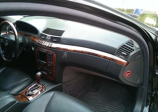 Черный Мерседес С 500, объемом двигателя 5 л и пробегом 219 тыс. км за 9500 $, фото 1 на Automoto.ua