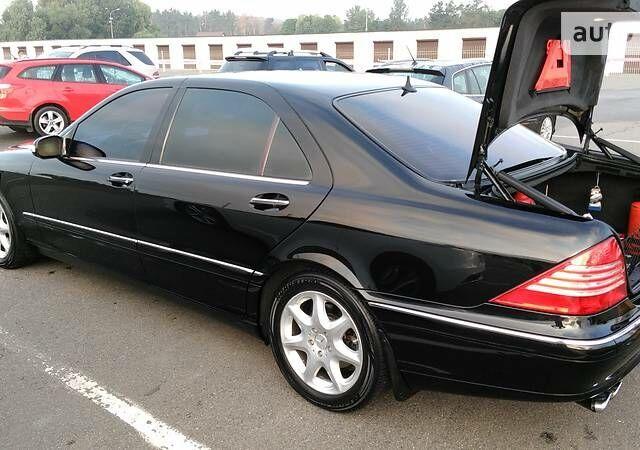 Чорний Мерседес С 500, об'ємом двигуна 5 л та пробігом 238 тис. км за 9000 $, фото 1 на Automoto.ua