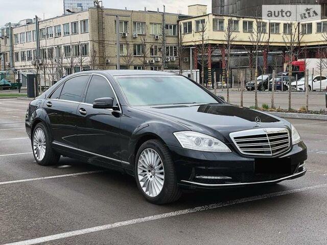 Черный Мерседес С 600, объемом двигателя 5.5 л и пробегом 120 тыс. км за 70000 $, фото 1 на Automoto.ua