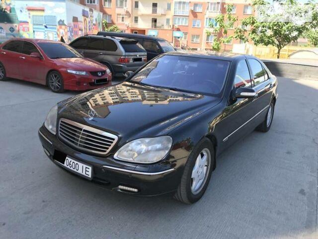 Чорний Мерседес С 600, об'ємом двигуна 6 л та пробігом 190 тис. км за 8300 $, фото 1 на Automoto.ua