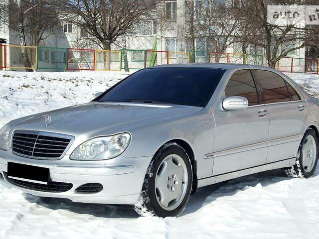 Срібний Мерседес С 600, об'ємом двигуна 6 л та пробігом 200 тис. км за 7300 $, фото 1 на Automoto.ua