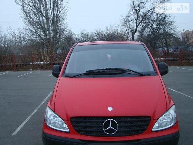 Красный Мерседес Виано, объемом двигателя 2.2 л и пробегом 170 тыс. км за 6800 $, фото 1 на Automoto.ua