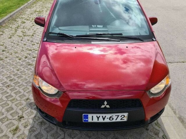 Красный Мицубиси Кольт, объемом двигателя 1.3 л и пробегом 196 тыс. км за 5336 $, фото 1 на Automoto.ua