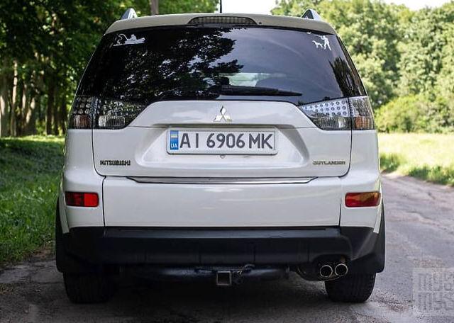 Белый Мицубиси Аутлендер, объемом двигателя 3 л и пробегом 190 тыс. км за 11900 $, фото 1 на Automoto.ua