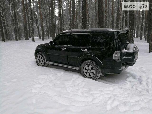 Черный Мицубиси Паджеро Вагон, объемом двигателя 3 л и пробегом 195 тыс. км за 14499 $, фото 1 на Automoto.ua