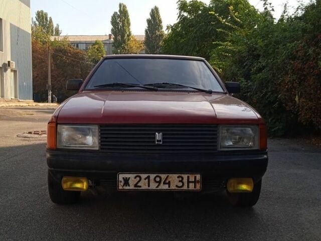 Красный Москвич / АЗЛК 2141, объемом двигателя 1.5 л и пробегом 165 тыс. км за 1381 $, фото 1 на Automoto.ua