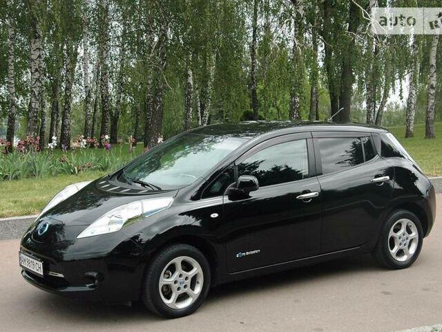 Черный Ниссан Лиф, объемом двигателя 0 л и пробегом 23 тыс. км за 12900 $, фото 1 на Automoto.ua