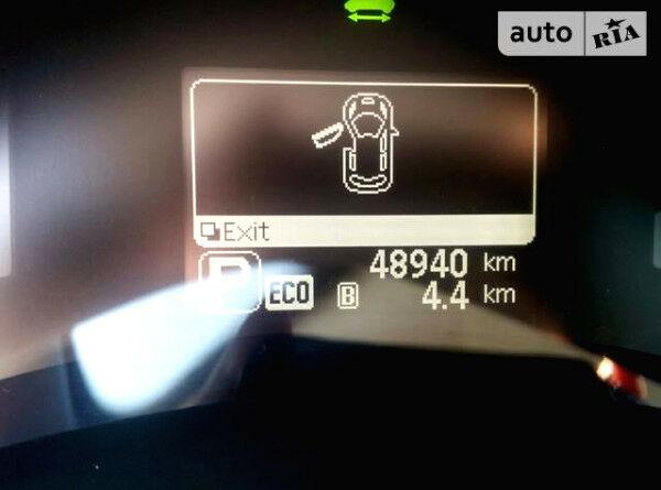 Серый Ниссан Лиф, объемом двигателя 1.2 л и пробегом 48 тыс. км за 13000 $, фото 1 на Automoto.ua