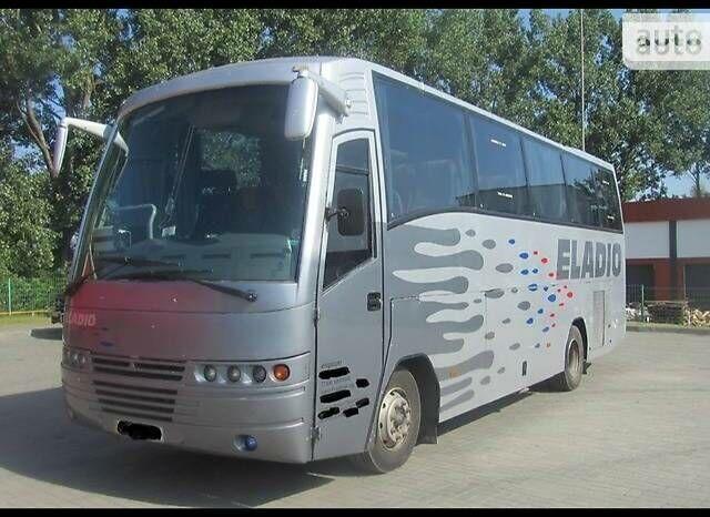 Серый Ниссан Югарте, объемом двигателя 6 л и пробегом 1 тыс. км за 14800 $, фото 1 на Automoto.ua