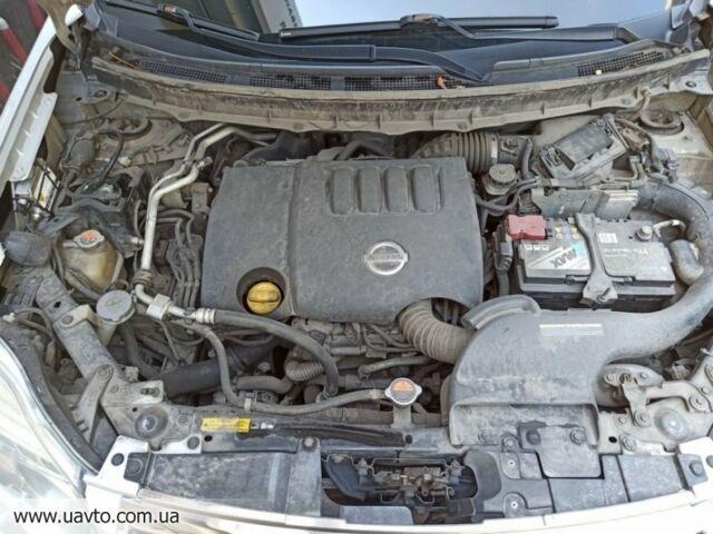 Серебряный Ниссан ИксТрейл, объемом двигателя 2 л и пробегом 252 тыс. км за 15747 $, фото 1 на Automoto.ua