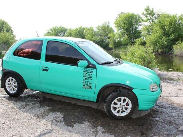 Зелений Опель Корса, об'ємом двигуна 1.2 л та пробігом 243 тис. км за 2900 $, фото 1 на Automoto.ua