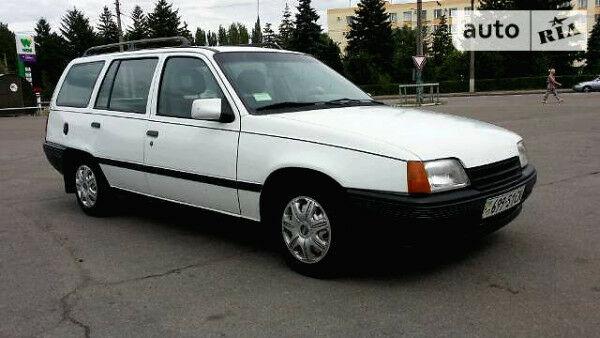Білий Опель Кадет, об'ємом двигуна 1.6 л та пробігом 156 тис. км за 1286 $, фото 1 на Automoto.ua