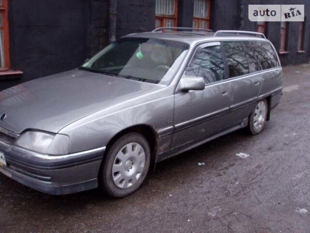 Серый Опель Омега, объемом двигателя 2 л и пробегом 370 тыс. км за 2600 $, фото 1 на Automoto.ua