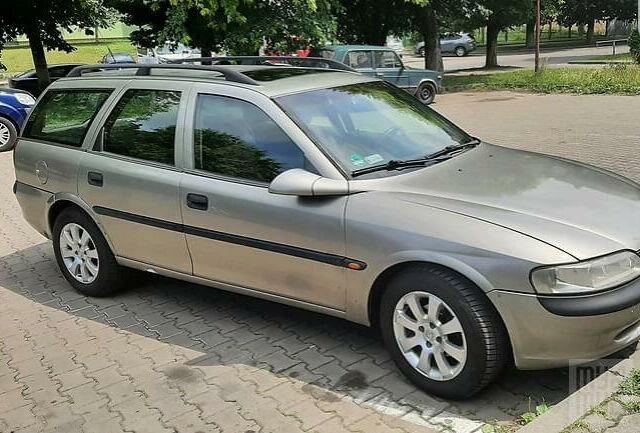 Серый Опель Вектра Б, объемом двигателя 1.6 л и пробегом 374 тыс. км за 3700 $, фото 1 на Automoto.ua