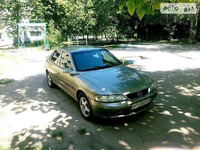 Серый Опель Вектра Б, объемом двигателя 2 л и пробегом 356 тыс. км за 3500 $, фото 1 на Automoto.ua