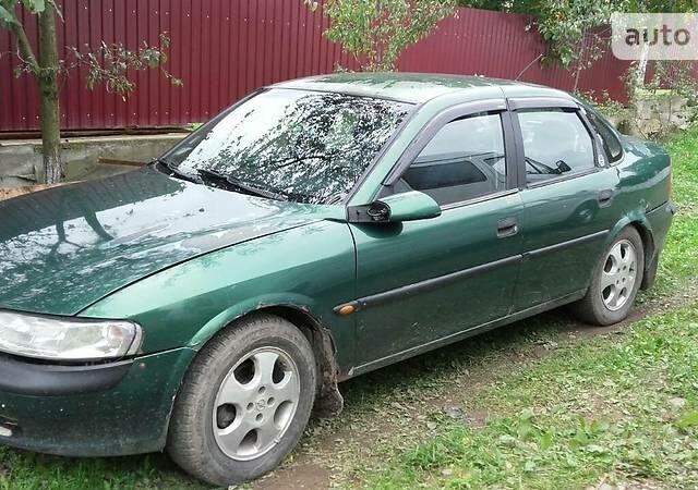 Зелений Опель Вектра Б, об'ємом двигуна 1.6 л та пробігом 308 тис. км за 3500 $, фото 1 на Automoto.ua
