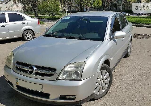 Серебряный Опель Вектра С, объемом двигателя 2.2 л и пробегом 190 тыс. км за 8000 $, фото 1 на Automoto.ua
