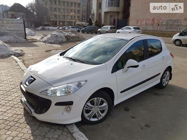 Белый Пежо 308, объемом двигателя 1.6 л и пробегом 35 тыс. км за 8950 $, фото 1 на Automoto.ua