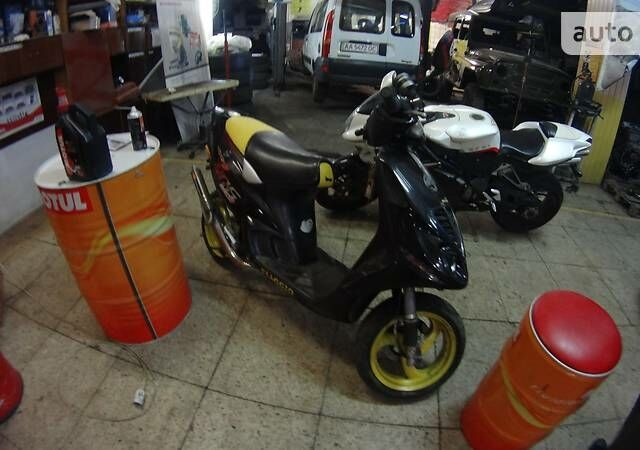 Черный Пиаджо NRG, объемом двигателя 0.07 л и пробегом 25 тыс. км за 1000 $, фото 1 на Automoto.ua