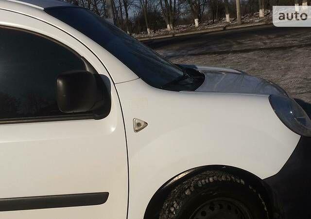 Белый Рено Кенгу груз., объемом двигателя 1.5 л и пробегом 130 тыс. км за 6100 $, фото 1 на Automoto.ua
