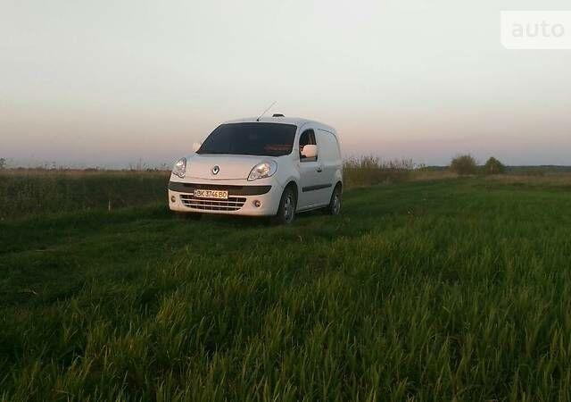 Белый Рено Кенгу груз., объемом двигателя 1.5 л и пробегом 261 тыс. км за 6000 $, фото 1 на Automoto.ua
