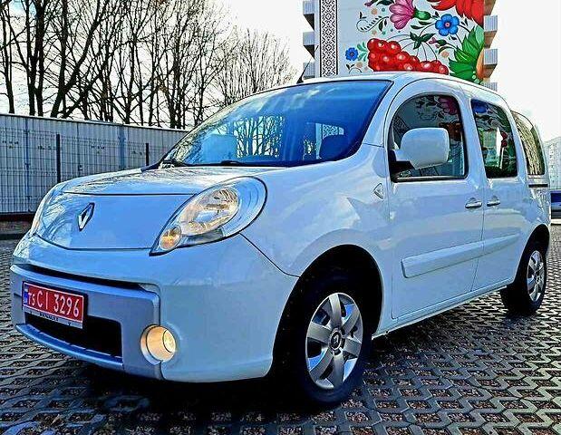 Белый Рено Кенгу пасс., объемом двигателя 0 л и пробегом 170 тыс. км за 8500 $, фото 1 на Automoto.ua
